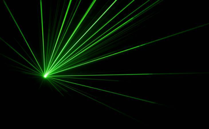 Einstein, rayos laser verdes