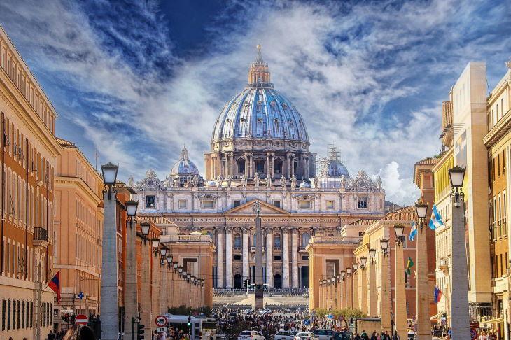 Renaissance Buildings St. Peter's Basilica -Vatican City