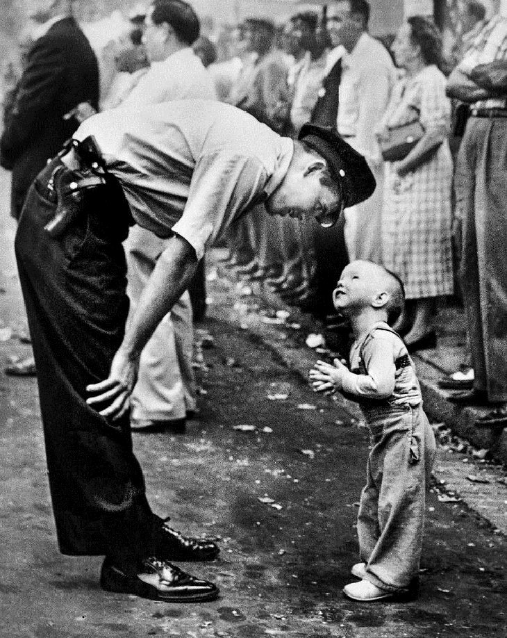 Pulitzer Prize-Winning Photos, police officer and boy