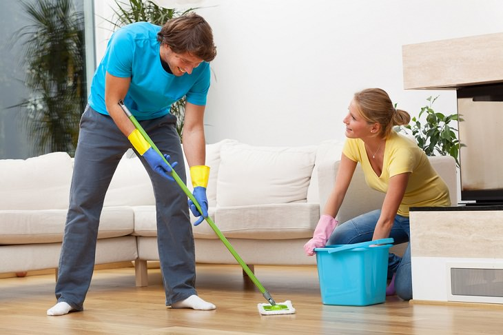 Time-Wasting Household Tasks, Washing the floor