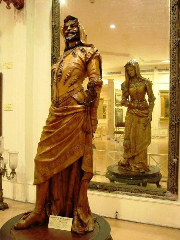 Incredible Museum Exhibits , The 19th-century two-sided statue of Mephistopheles And Margaretta at The Salar Jung Museum In India