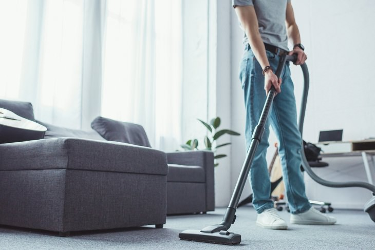 Household Cleaning Tips to Ease Allergies, Vacuum