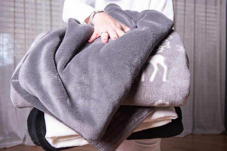 Emergency Tips: What To Do When The Power Goes Out, blankets