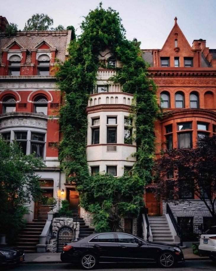 Beautiful Curiosities Around the World A beautiful Victorian townhouse in Boston
