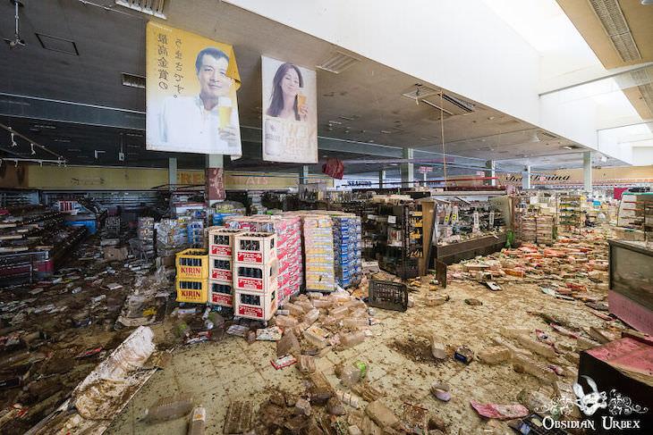 Fukushima Nuclear Disaster's Aftermath - 10 Photos abandoned supermarket