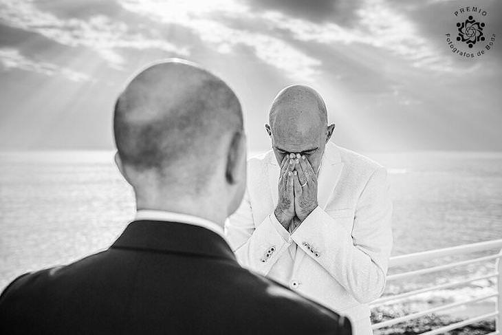 The FdB Awards' Top Wedding Photos of the Year heartfelt moment