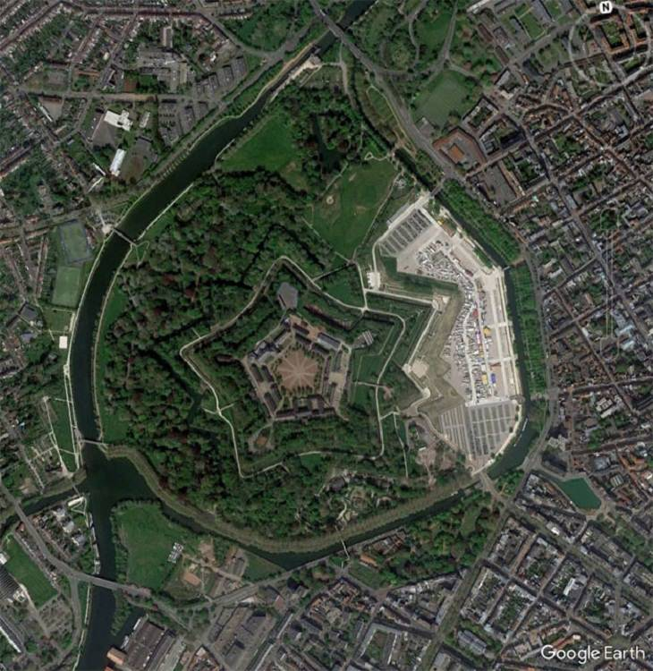 Google Earth images,  fort in Lille, France.