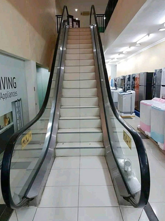 Disastrous Stair Design escalator-turned-staircase