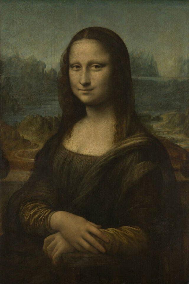 The Louvre's Art The Mona Lisa by Leonardo Da Vinci (1503 - 1518)