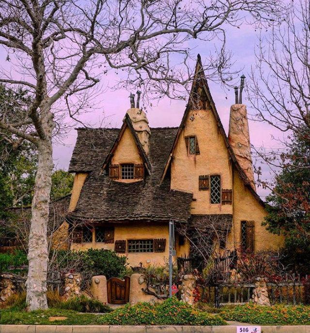 Amazing Places Spadena House