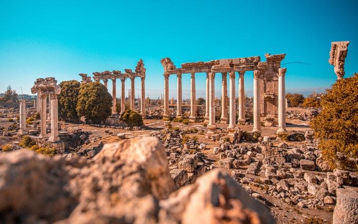 Bizarre Laws Acropolis