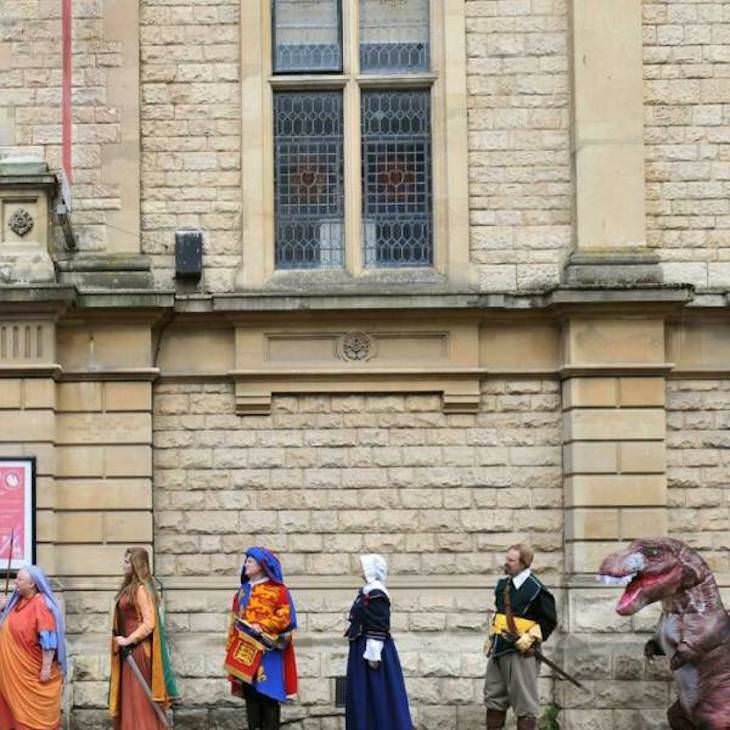 14 Hilarious Situation Spotted in the UK historical figures lining up