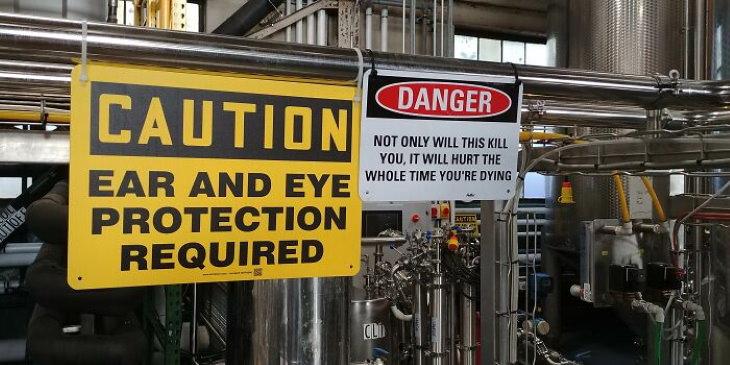 Construction Fails sign