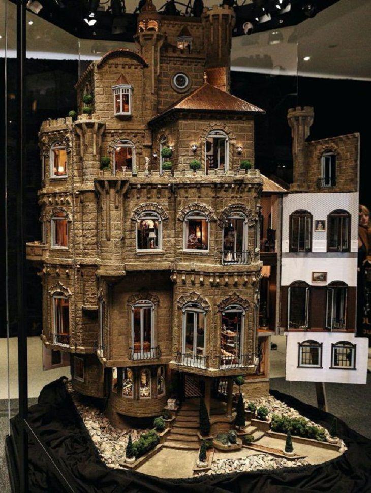 Charming Dollhouses, Astolat Dollhouse Castle