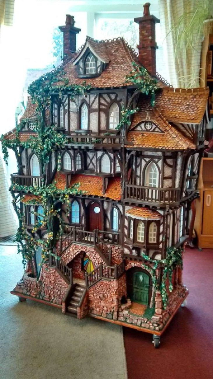 Charming Dollhouses, charming cottage