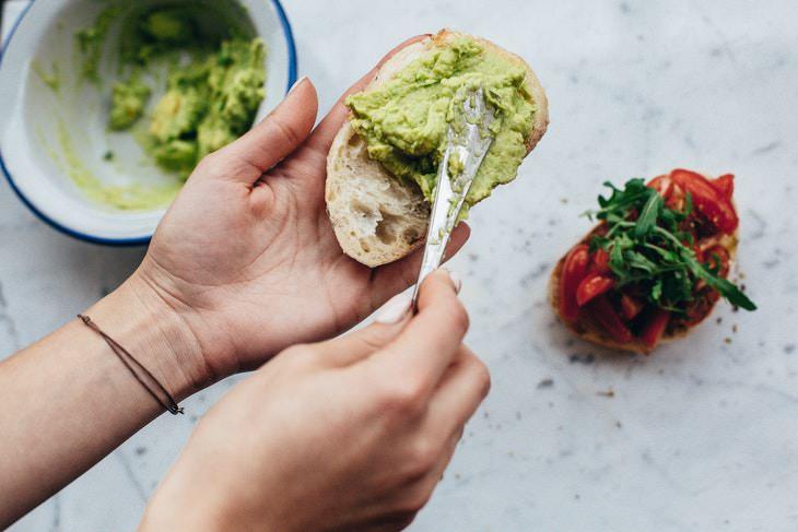 How to Make a Healthy Homemade Sandwich avocado