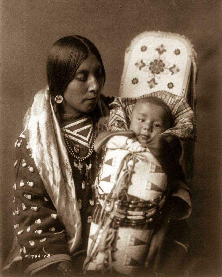 Historical Photos, Native American mother