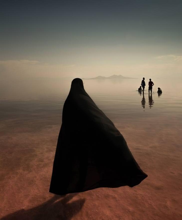 2021 Creative Photo Awards The Lake byMasoud Mirzaei