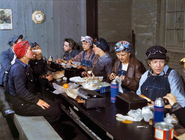 Historic Photos Depicting 1940s US in Vivid Color Women employed as wipers in the roundhouse eat their lunch in the break room