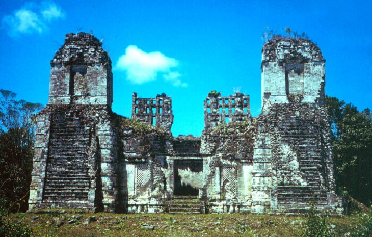 Unsolved Mysteries, Mayans
