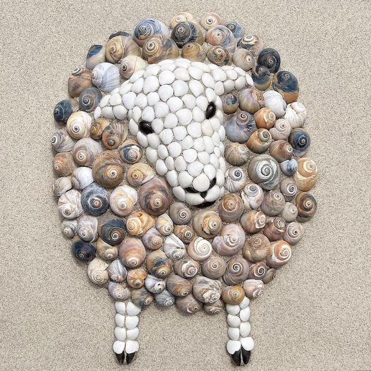 Lovely Animal Sculptures Made of Seashells sheep
