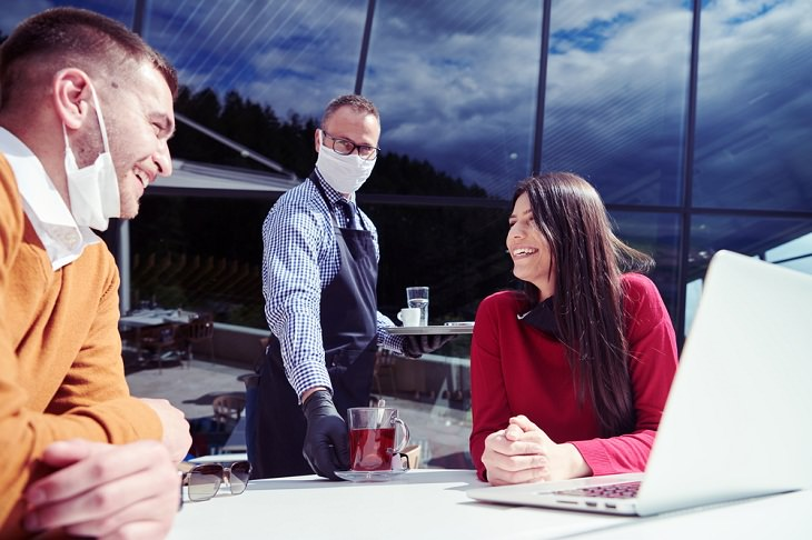 Tips to Safely Dine at a Restaurant During COVID, outdoor