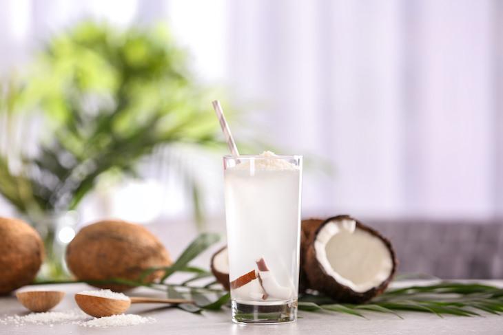 Qué Comer y Beber Cuando Estás Deshidratado Agua de coco