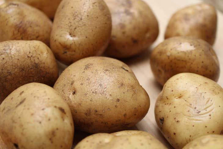 Fruits and Vegetables to Buy Organic Potatoes