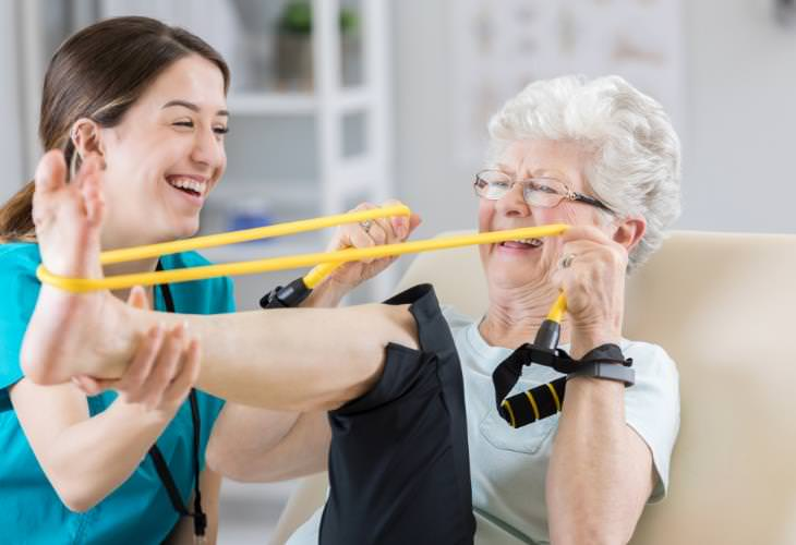 Benefits of Resistance Bands for Seniors, joint workout