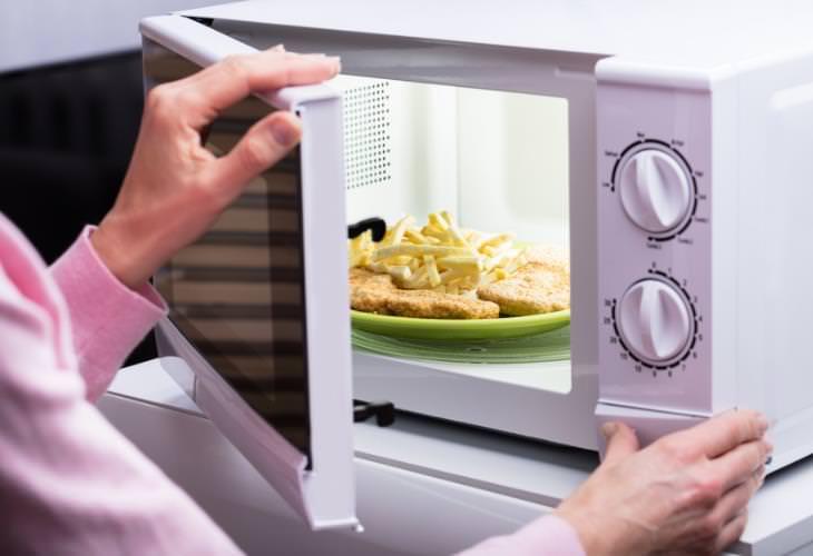 Food Safety Myths, microwave