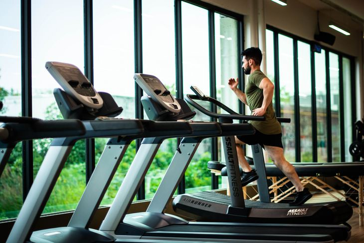 Natural Ways to Boost Testosterone man exercising