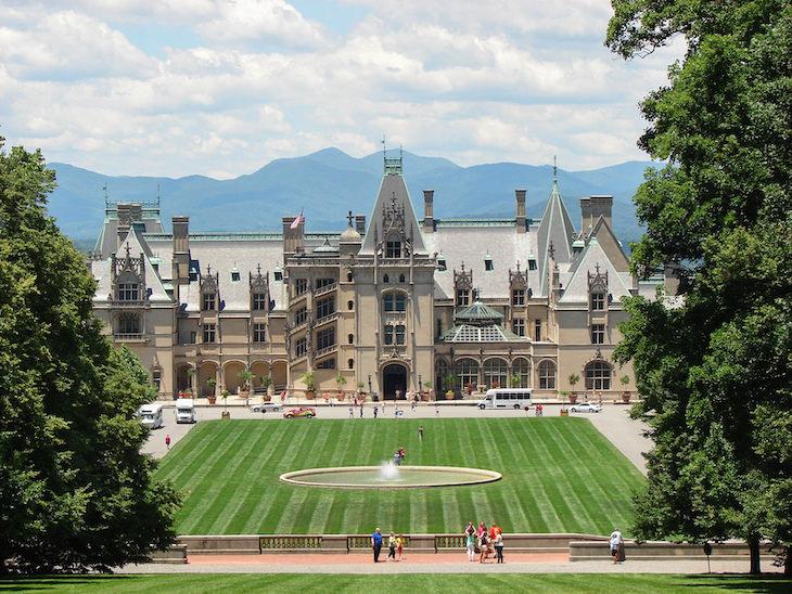 10 Grand & Beautiful Historic Homes in the US Biltmore Estate (Asheville, North Carolina)