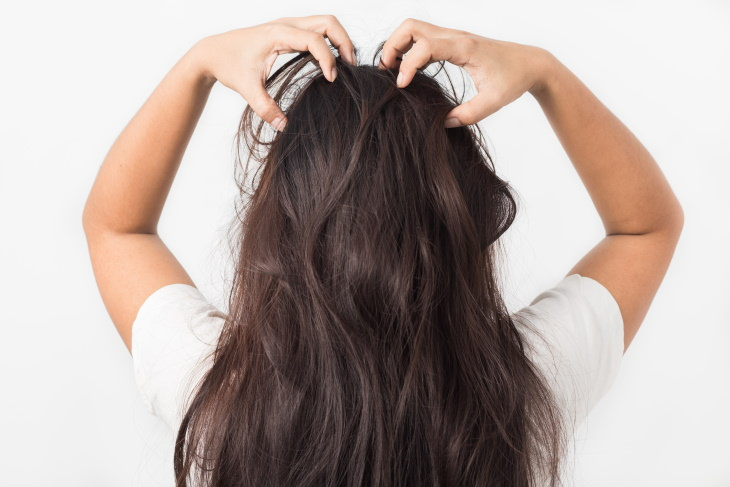 Tips For Shiny Hair scalp massage