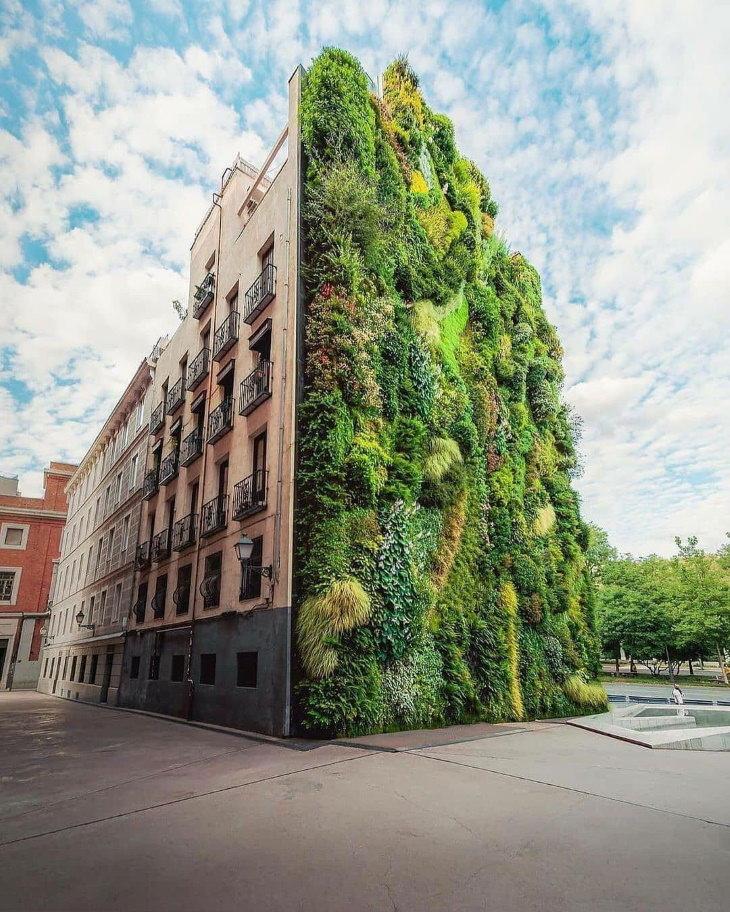 "Green Buildings ""CaixaForum Madrid"" byHerzog and de Meuron(2007) -Madrid, Spain"