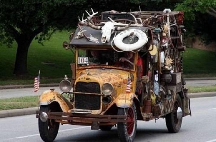 Weird Cars, clutter art