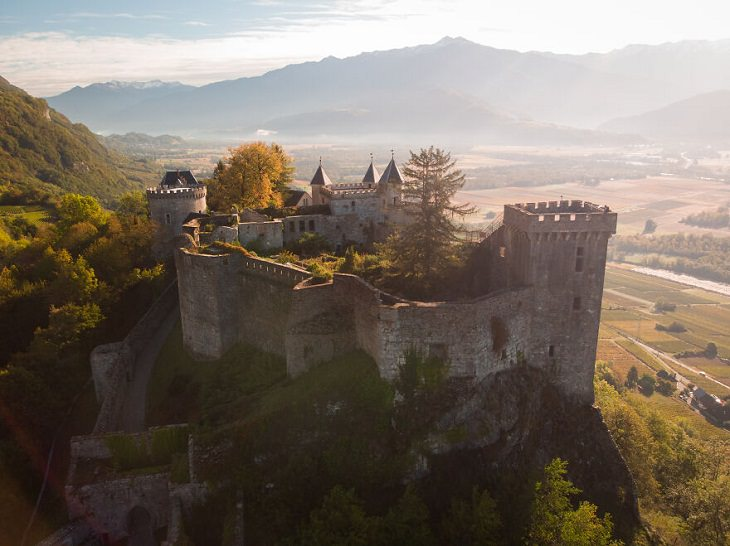 Magical Castles, The Fortress of Miolans,