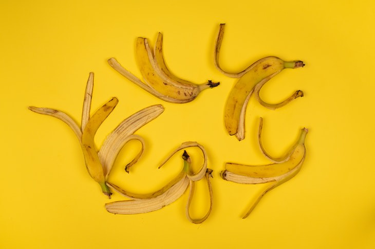 Home Remedies For Poison Ivy banana peels