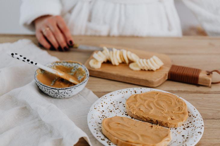 Peanut Butter vs Almond Butter peanut butter