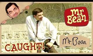 Classic Comedy: Mr. Bean at the Beach!