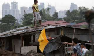 Incredible Photos: Philippines Ravaged by Typhoon!