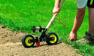 9 Awesome Tools That Make Gardening Super Easy