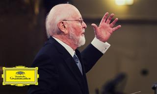 """John Williams Conducts the Theme Song from """"Jurassic Park"""""""