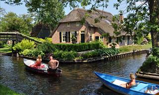 Giethoorn in the Netherlands Looks Just Like Venice