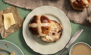 How to Make Tasty Hot Cross Buns