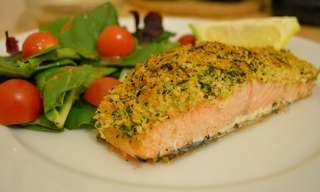 Panko Salmon & Spinach Salad
