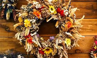 5 Fall Themed DIY Wreaths You Can Proudly Hang On the Door