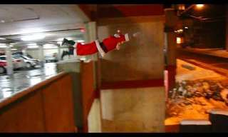 How Does Santa Get From Roof to Roof?- Amazing!