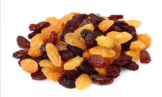 10 Great Health Benefits of Raisins