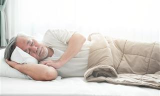Study Finds Weighted Blankets Can Cure Insomnia