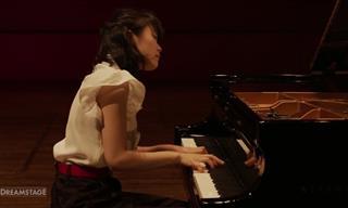 Incredible Piano Performance of Schumann's Sonata No. 2